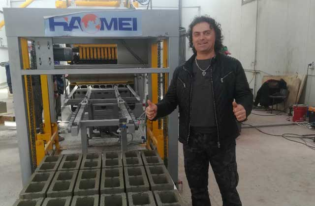 haomei QT6-15 concrete Brick Making Machine Set up in Bulgaria